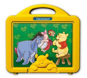 CLEMENTONI Dětské obrázkové kostky  ( kubus ) - Medvídek Pú 12 kostek  v kufříku 41337