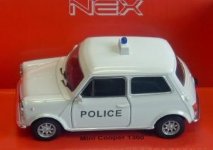 Mini Cooper 1300 white.  -  1:34  Welly