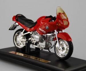Maisto  motorka na stojánku - BMW R1100RS  1:18  červená