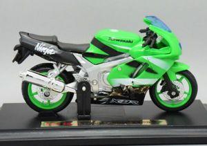 Maisto  motorka na stojánku -  Kawasaki Ninja ZX-9R  1:18  zelená