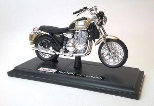 Maisto motorka na stojánku - Triumph Thunderbird 1:18 zlatá barva Miasto