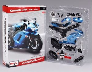 Maisto motorka 1:12 Kit - Kawasaki  Ninja ZX 6R - modrá