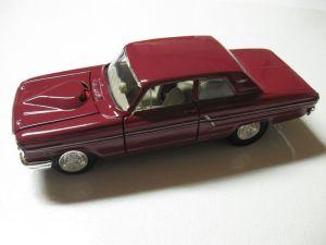 Maisto 1:24  1964 Ford Failane Thunderbolt - vínová barva