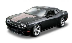 Maisto  1:24 Kit Dodge  Challenger 2008 - model  ke skládání  - černá  barva