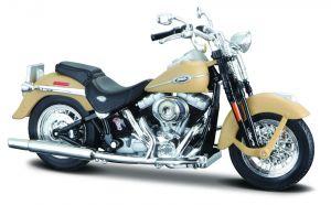 Maisto Harley Davidson 2005 FLHTCUI Classic Electra Glide  1:18 beige