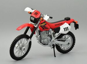 Maisto motorka bez podstavce - Honda XR400R 1:18 červená Miasto