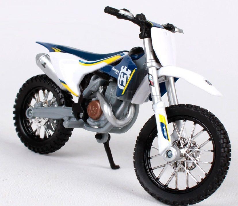 Maisto motorka bez podstavce - Husqvarna FC 450 1:18 Miasto