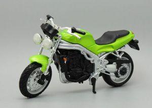Maisto  motorka bez podstavce  - Triumph  Speed Triple  1:18  zelená
