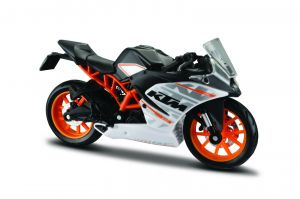 Maisto  motorka na stojánku - KTM RC 390  1:18 stříbrná