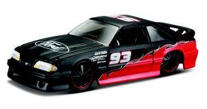 Maisto 1:64 15494 Design - Ford SVT Cobra 1993 - černo červená  barva