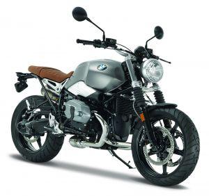 Maisto  motorka na stojánku - BMW R nineT  Scrambler    1:18  stříbná