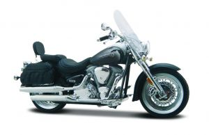 Maisto  motorka na stojánku - Yamaha Road Star Silverado 1:18  černá