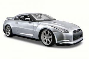 Maisto  1:24 Nissan GT-R (R35) - stříbrná  barva