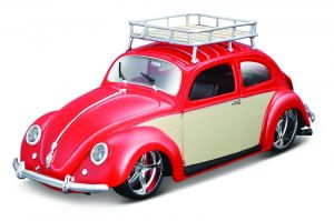 Maisto - auto 1:18 Design - Volkswagen Beetle 1951 -  červené