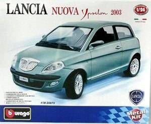 Lancia Nuova Ypsilon (2003) - KIT auta 1:24 Bburago