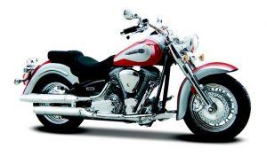 Maisto  motorka na stojánku - Yamaha Road Star  1:18 bílo červená