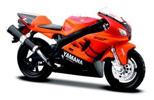Maisto  motorka na stojánku - Yamaha YZF-R7 1:18 oranžová