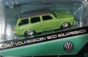 Maisto 1:64 15494 Design - Volkswagen 1600 Squareback  1967 - zelená barva
