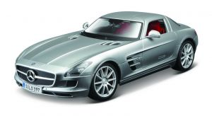 Maisto 1:18  Mercedes Benz  SLS AMG - stříbrná barva