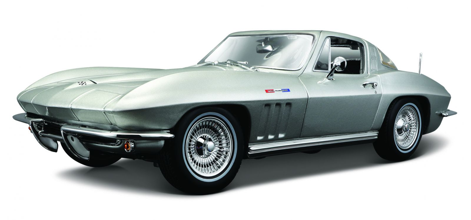 Maisto 1:18 Chevrolet Corvette 1965 - stříbrná barva
