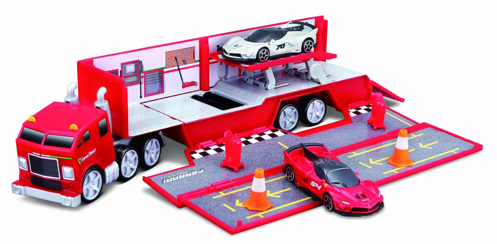 Maisto - Ferrari kamión s rampou a autíčky