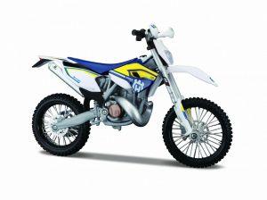 Maisto motorka 1:12 na  podstavci -  Husquarna FE 501 bílo modrá