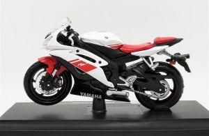 Maisto  motorka na stojánku se zn. YAMAHA - Yamaha YZF-R6 1:18  červeno bílá