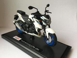 Maisto  motorka na stojánku se zn.SUZUKI - Suzuki  GSX-S750 ABS  1:18 černo bílá