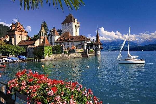 puzzle Ravensburger 1000 dílků - Jezero Thun - Bern Švýcarsko - 191390